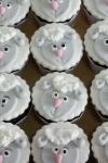 cupcake-decorada-cha-de-bebe-anjinhos-valinhos-sjcampos